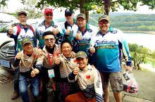 升钟湖  :这里每年的钓鱼国际大赛非常热闹,报名参加都很难。举办了11届了活动策划者非常成功,每年都