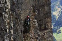瑞士很美最具有挑战性的铁锁攀岩线路 在Leukerbad