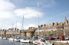 """法兰西纪行:""""海盗之城""""圣马洛。 圣马洛距离圣米歇尔山不远,三面环海,四周被城墙围绕,曾是国防要塞和"""