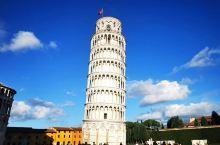 900年历史的比萨斜塔(教堂钟楼)依然那么漂亮•与地面竖直的5度倾斜夹角使它成为难得的世界建筑文化珍