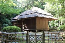 冈山后乐园,是代表江户时代们大名庭园之一。用园路,水路将宽阔的草坪,池塘,假山,茶室连成一体,可谓独