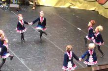你知道爱尔兰踢踏舞,可是看过他们的团体舞吗?