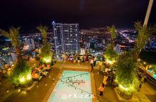 打卡越南芽庄最高的天空酒吧 没错,又被我大中华人民占领了  havana酒店顶层,43层的高度 可以