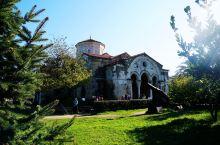 特拉布宗的圣索菲亚大教堂作为从君士坦丁堡流亡至此的原皇族科穆宁家族中心教堂。1461年奥斯曼帝国征服