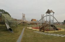 高安巴芙洛的游乐园。