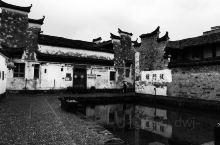 从丽水途径浙中18涡,宿新昌,准备第二天去崇仁镇。 浙中18涡是当地的说法是尖山去往新昌的盘肠曲折的