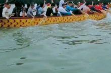 下川岛龙舟比赛整装待发,参赛队伍努力训练中,想更深度下川岛旅游可以找当地岛民ky,维信 cdwx88