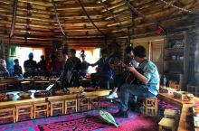 新疆vol.9  【阿勒泰地区】 喀纳斯-图瓦人家访  图瓦人家访是当地的一项民俗表演体验,可以聆
