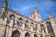 巴斯一座充满着英格兰中世纪乔治时代的历史文化的古城,哥特式,古罗马式建筑精彩纷呈。