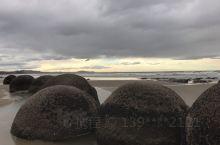 当天有点小雨 夕阳下大圆石还是很神奇的