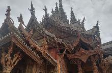 泰国曼谷芭堤雅的行程中,给我留下最深印象的,既不是金碧辉煌的大皇宫,也不是莺歌燕舞的蒂芙尼,而是芭堤