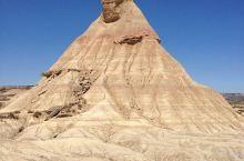 沙雕的去处——欧洲沙漠风暴    这一处的景点很特别,它还是《权利的游戏》拍摄的地方,权游的粉丝们有