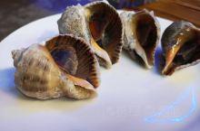 食宿在白塘湾 住在馨尚,就在路边很好找。比较早订才一百五,住宿不错,老板人也很好。就是吃的海鲜是冷冻