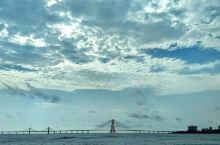现实中的鹊桥  连接南北孟买 别人说牛郎织女的故事是个悲剧,但我却不以为然,因为他们每年能通过有鹊桥