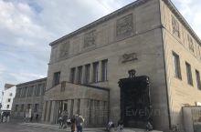 苏黎世美术馆,以近代收藏居多,从马蒂斯、贾科梅蒂、康定斯基、毕加索、莫奈、夏加儿以及瑞士建筑师布尔克