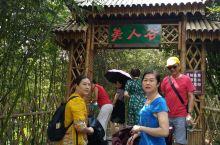 湖北京山,美人谷,层层叠叠,形状各异的瀑布群,沿着峡谷顺势而下,景色还是不错的哦