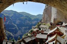 秋天的绵山                        殿堂庙宇宏伟,最感慨的是山洞中容纳数十间殿