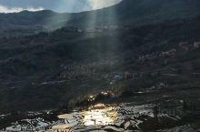 元阳哈尼梯田,最佳的旅游时间是11月至次年4月间。我们是3月初去的,稻田都已经灌满了水,水稻还没有想