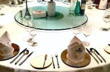 领仕扒房在沈阳已经有很多年了,作为食间集团的高端店,自然品质不一般。曾经领仕推出的一款终极飨宴,结合
