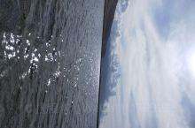 day7,赛里木湖,大西洋的最后一滴眼泪 作为新疆海拔最高面积最大的高山湖泊,湖水真的是清澈见底,虽
