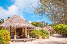 到达马尔代夫后,请放空心灵大脑,迎接你的会是像梦境一样的完美旅行——童话故事里般沙屋、抬头便是星空的
