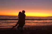 圣塔莫尼卡海滩,最开始其实还没打算必须要去,觉得世界各地的海和日落我都看过这么多了,也见过半边天的云