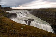 冰岛黄金瀑布,位于雷克一小时车程,水量远大于黄果树瀑布,靠近瀑布你会体验台风一般大的峡谷飓风,根本无