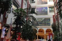 环境舒适位于布达拉宫公园后门。建议预订的游客订5楼观景
