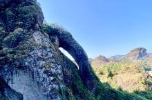 龙虎山的象鼻,竹筏漂流,千年的古树,悬棺,不同于诗水的江南,不同于山水天下的桂林,独自形成了另一番江