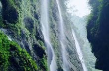 这辈子目前看到过最刺激的漂亮和最长的溶洞 瀑布的看点不是很大,但是漂亮绝对赞,身为在南方长大的宝宝发