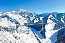 今年第三次出差到新疆,果子沟大桥被称为新疆第一高桥,前几天都在下雪刚好今天放晴,在这里飞无人机需要到