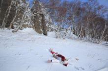 内蒙版《冰雪奇缘》。  说起看雪,很多人都会想到东北雪乡。其实内蒙的雪也很不错。  我们去的是赤峰,