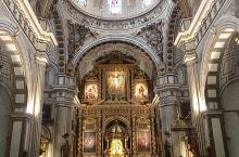格拉纳达,是座有悠久历史的城市,也是西班牙别具特色的城市。 在这里你可以感受到多种文化的交织与碰撞,