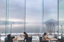 洞爷湖(Touyako),日本北海道西南部淡水湖,在内浦湾附近,支笏洞爷国立公园的一部分,亦称破火山