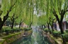 宰相府第风情街位于盐官古城内,是盐官古城重要的组成部分。这是一条安静,古朴的古街。两边有陈阁老宅,金
