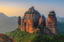 """南岳衡山,素有""""五岳独秀""""之美誉,它既是举世闻名的佛教圣地,也是千百年来的文化名山;是军事上的天然防"""