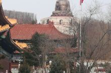 敦化六鼎山的金鼎大佛据说是现在最大的释迦牟尼佛坐像。金鼎大佛庄严、端正,的确让人心存敬意。在大佛前,