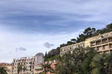 来法国必来的城市—尼斯 太美啦!!! 天气好的时候天更蓝海更蓝 美到窒息