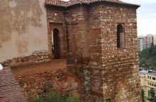 西班牙阿尔卡萨瓦城堡 马拉加与巴塞罗那一样是一个海边城市。毕加索的故乡,西班牙的阳光海岸,一年300