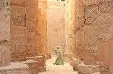 """埃及 卢克索素有""""世界最大的露天博物馆""""之称,这里的景致美得令人震撼,尼罗河流淌在东岸现代城市和西岸"""