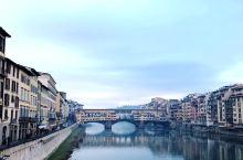 意大利2017之行—佛罗伦萨-阿诺河上的Vecchi维琪奥桥(老桥)  这座阿诺河上最著名最古老的桥