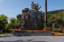 """龙门石窟,石刻艺术的宝库,北魏、唐代皇家贵族造像最集中的地方。在中华悠久的历史长河中,作为""""十三朝古"""