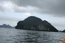 越南的海上桂林下龙湾,风景如画