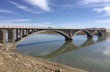 今天聊聊玛曲县的黄河第一湾。 俗话说黄河九曲18弯,而黄河的首曲第一弯,在玛曲县,玛曲县是唯一一个整