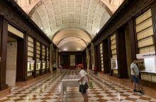 西印度群岛综合档案馆,(Archivo de Indias de Sevilla)坐落在塞维亚的古代