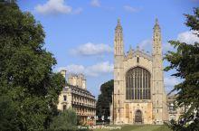 英国剑桥大学,竟然还展示重机枪、迫击炮等武器,有兴趣还有假装射击。[呲牙]