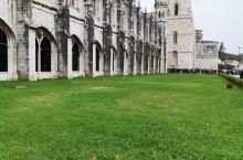 #世界文化遗产~~热罗尼莫斯修道院# 位于贝伦区的一座华丽宏伟的修道院,可以说是老城最为突出的古迹,