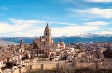 #古城塞哥维亚—考拉的西班牙之旅# 塞哥维亚古城建于公元80年的罗马时期,至今依然保留有不少古老恢宏