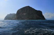 宜兰龟山岛,运气好的话还可以遇到鲸鱼和海豚。