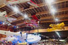 奥克兰交通博物馆分两部分,这是飞机博物馆,有老式小火车往返于飞机馆和汽车馆之间,套票包括两个馆以及火